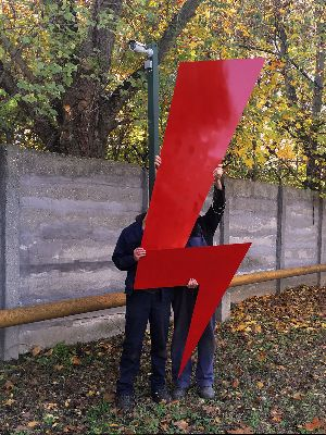 Szigoruan ellenorzott femmunkasok szolidaritasi akcioja Act of solidarity by closely watched metalworkers