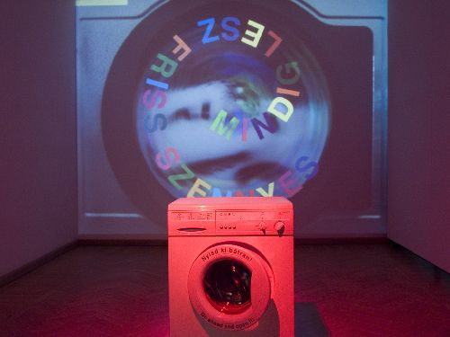 Szinkiolto mosogep Color fade out Washing machine interactive installation
